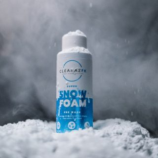 Super Snow Foam won't help you beat the winter chill 🤷♂️ but at least it will make your ride #cleanazfk all year round 😝🤙🏼  @west.haus #cleanaf #crazycleanculture #crazyclean #cleanfreaks #snowfoam #snowfoamwash #snowfoamsunday #carcleaning #carwash #prewash #detailing #detailingaddicts #cleanaf